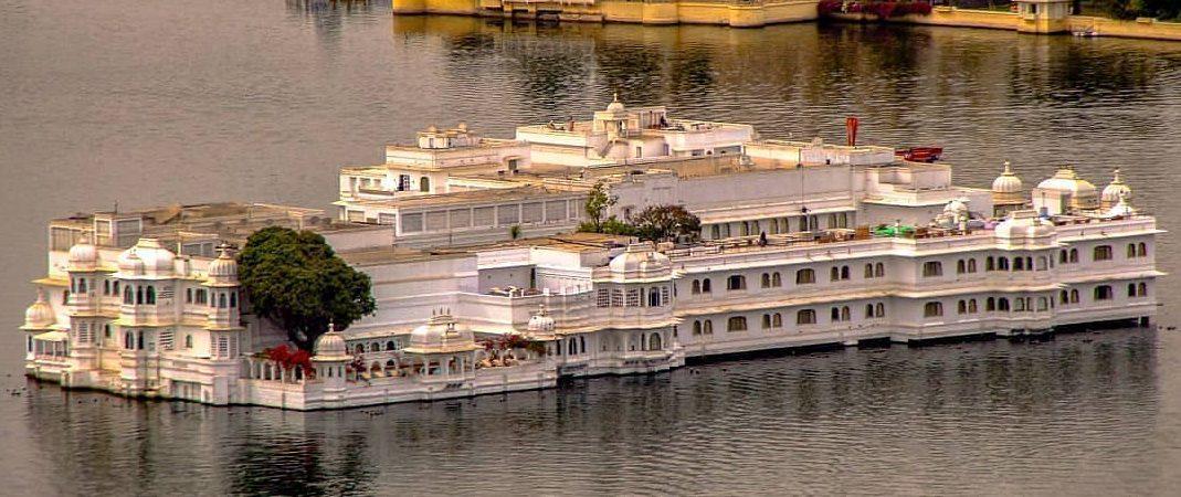 Taj lack palace